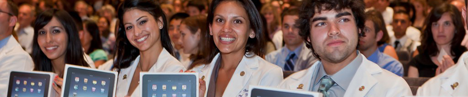 Incoming UC Irvine medical students receive iPads at the White Coat ceremony on Aug. 6, 2010.